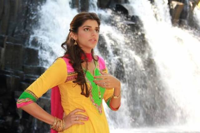 Bachaana Film Pictures of Sanam Saeed