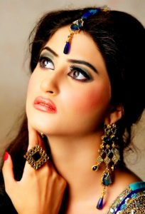 Sajal Ali Actress Hot & Sexy HD Wallpapers