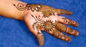 Beautiful Flower Mehndi Design for Brides.