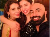 Mahira Khan Dance with HSY designer video viral